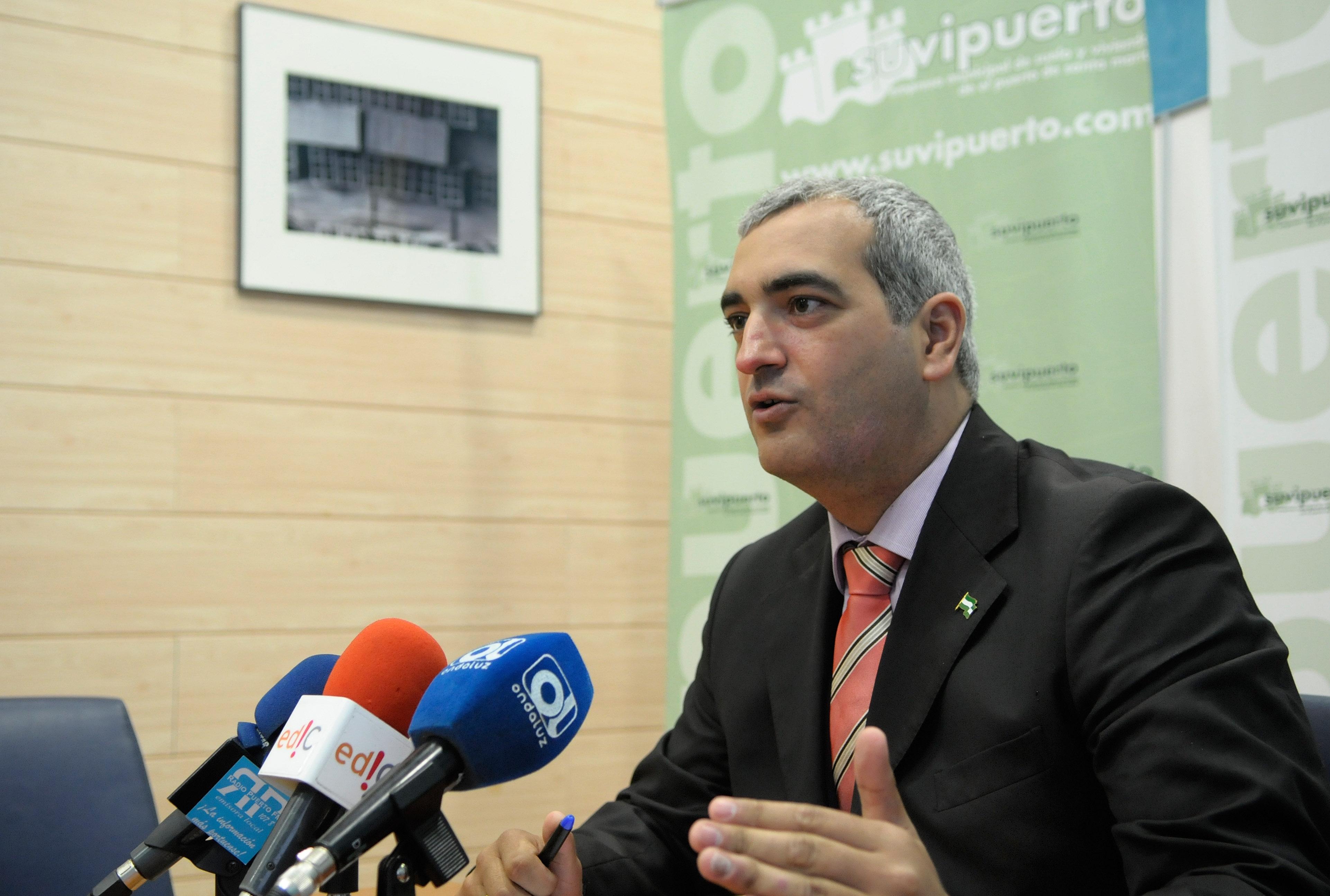 """Ruiz: """"El delegado de Medio de Ambiente de la Junta, ni está ni se le espera"""""""